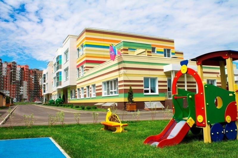 Закроют ли детские сады из-за коронавируса в России, вести ли ребенка