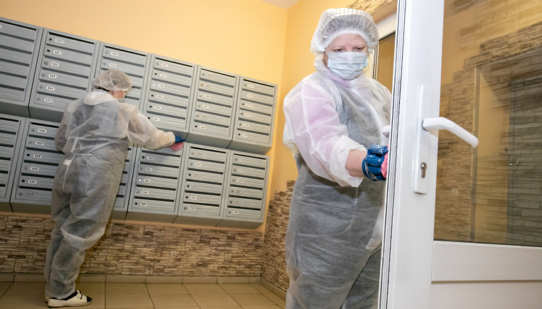 Чем обрабатывать и как дезинфицировать дверные ручки от коронавируса