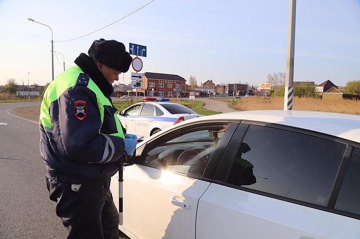 Передвижение на машине во время карантина: кому и как можно ездить